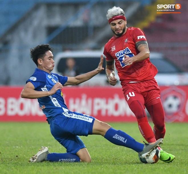 Cầu thủ Quảng Nam bật khóc, gục ngã khi phải rời giải đấu xịn nhất Việt Nam - ảnh 13