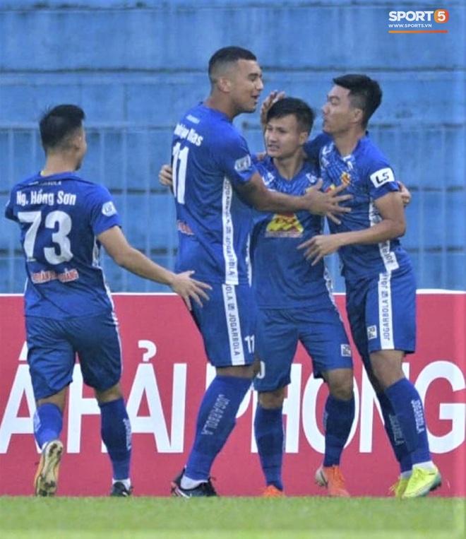 Cầu thủ Quảng Nam bật khóc, gục ngã khi phải rời giải đấu xịn nhất Việt Nam - ảnh 9