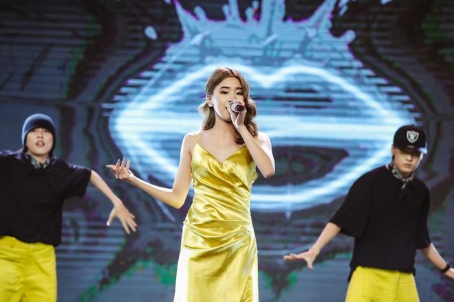 Ngô Kiến Huy mở tiệm giặt ủi trên sân khấu, Đức Phúc rực đỏ, K-ICM và APJ khẳng định giọng hát live sau loạt ồn ào - ảnh 3
