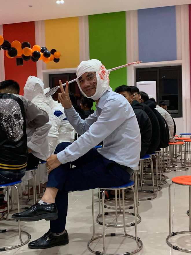 Những màn hóa trang siêu dị của học sinh ngày Halloween, thầy cô cũng lầy lội chẳng kém - ảnh 3