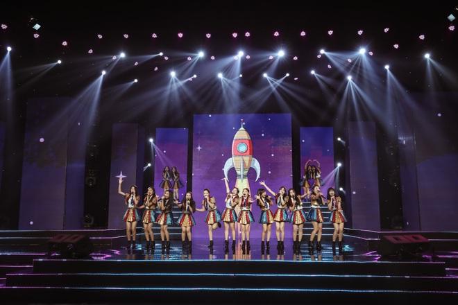 Ngô Kiến Huy mở tiệm giặt ủi trên sân khấu, Đức Phúc rực đỏ, K-ICM và APJ khẳng định giọng hát live sau loạt ồn ào - ảnh 1