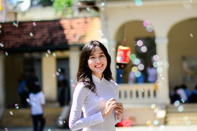 2 gái xinh RMIT lọt vào bán kết Hoa hậu Việt Nam: Người du học Anh năm 16 tuổi, người giành học bổng đại học toàn phần - Ảnh 6.