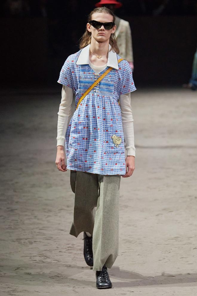 """Thiết kế """"đàn ông mặc váy"""" gây xôn xao thuở nào của Gucci đã lên kệ, và nó có giá 60 triệu VNĐ - Ảnh 7."""