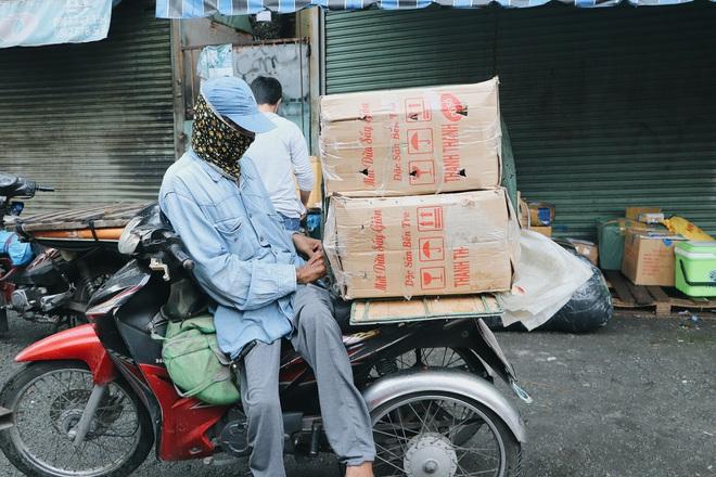 """Chú shipper bị liệt 2 chân ở Sài Gòn: """"Người ta tay chân lành lặn mới đi ship hàng ở xa được, còn chú thì..."""" - Ảnh 10."""