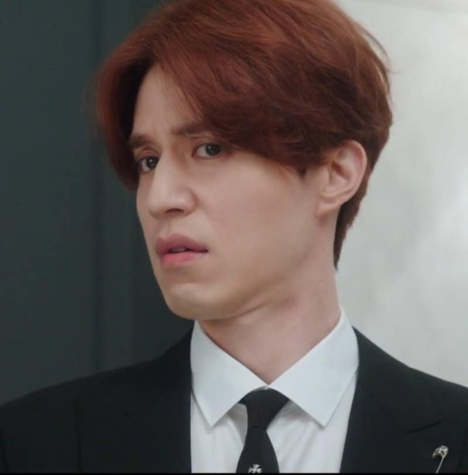 """Lee Dong Wook vừa chuyển kiếp hồ ly đã """"tự vả"""" Thần Chết ở Goblin ăn mặc sai trái - Ảnh 1."""