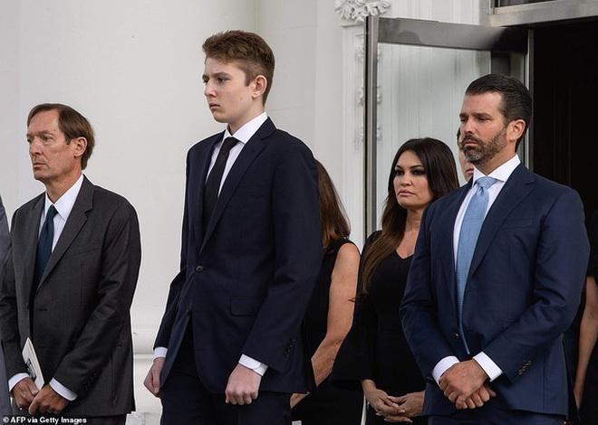 """Cả gia đình sắp phải rời Nhà Trắng, """"đệ nhất thiếu gia Mỹ"""" Barron Trump sẽ chuyển đến sống ở đâu và trải qua những thay đổi lớn thế nào? - Ảnh 9."""