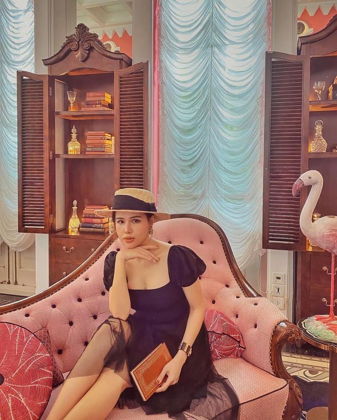 """Phanh Lee khi làm dâu nhà giàu: Style chuyển phỏm sang đằm thắm, mất hết nét """"chiến"""" ngày xưa luôn - Ảnh 3."""