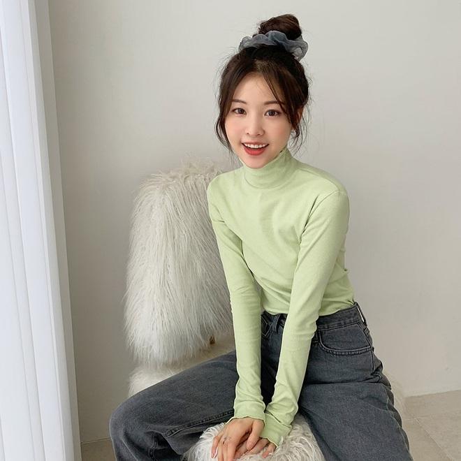 Có ít nhất 5 style giúp gái Hàn thoát cảnh tóc tĩnh điện mùa áo len, bạn có khi cũng nên thử - Ảnh 4.