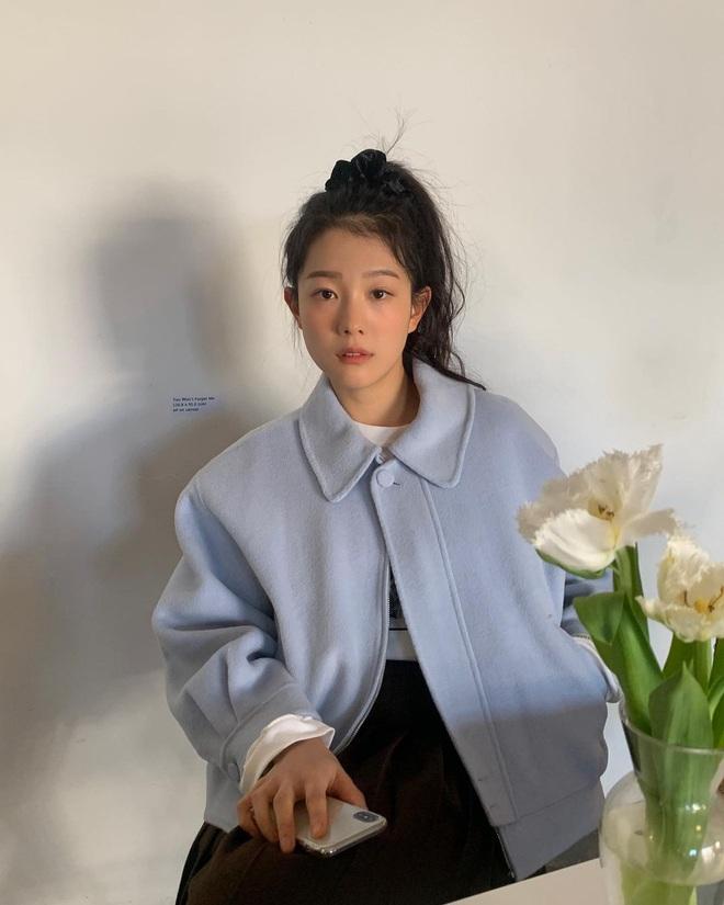 Có ít nhất 5 style giúp gái Hàn thoát cảnh tóc tĩnh điện mùa áo len, bạn có khi cũng nên thử - Ảnh 1.