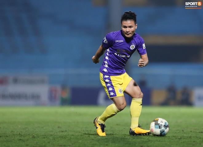 """Bỏ mặc lùm xùm với Huỳnh Anh, Quang Hải được khen ghi bàn khiến đối phương  """"vỡ trận"""""""
