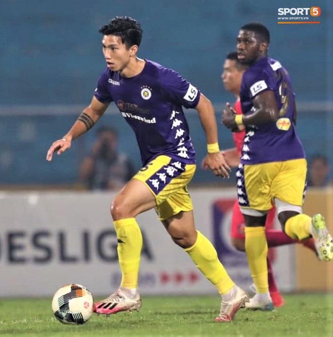 Trở lại sau chấn thương, Đoàn Văn Hậu mắc lỗi trong cả 2 bàn thua của Hà Nội FC - Ảnh 8.
