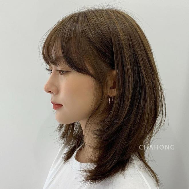 Tóc xương đòn - kiểu tóc hợp mọi dáng mặt: Hiện đại, cá tính hệt tóc ngắn, mà cũng nữ tính sang chảnh chẳng thua tóc dài - Ảnh 5.