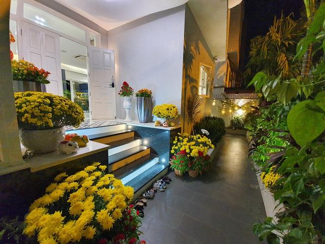 Hoa mắt vì biệt thự mới tậu của dàn sao Việt: Toàn bạc tỷ siêu sang, nhà Ngọc Trinh xa hoa như khách sạn 5 sao - Ảnh 10.