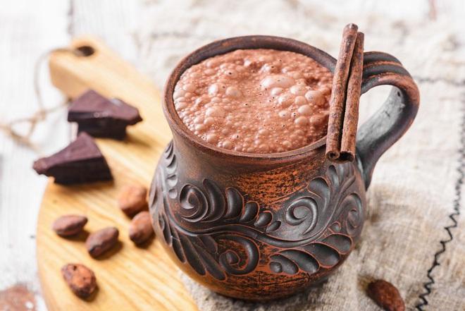 Thời kỳ 'đen tối' của chocolate: Từng được dùng làm 'mê dược' khống chế đàn ông và là minh chứng cho nạn phân biệt chủng tộc - Ảnh 1.