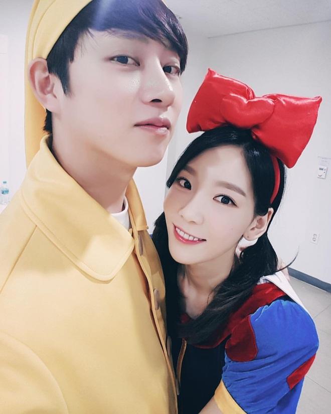 Danh sách bạn thân toàn idol nữ siêu hot của 'thánh ngoại giao' Heechul: Đây là cách 'qua mặt' fan để hẹn hò với Momo?