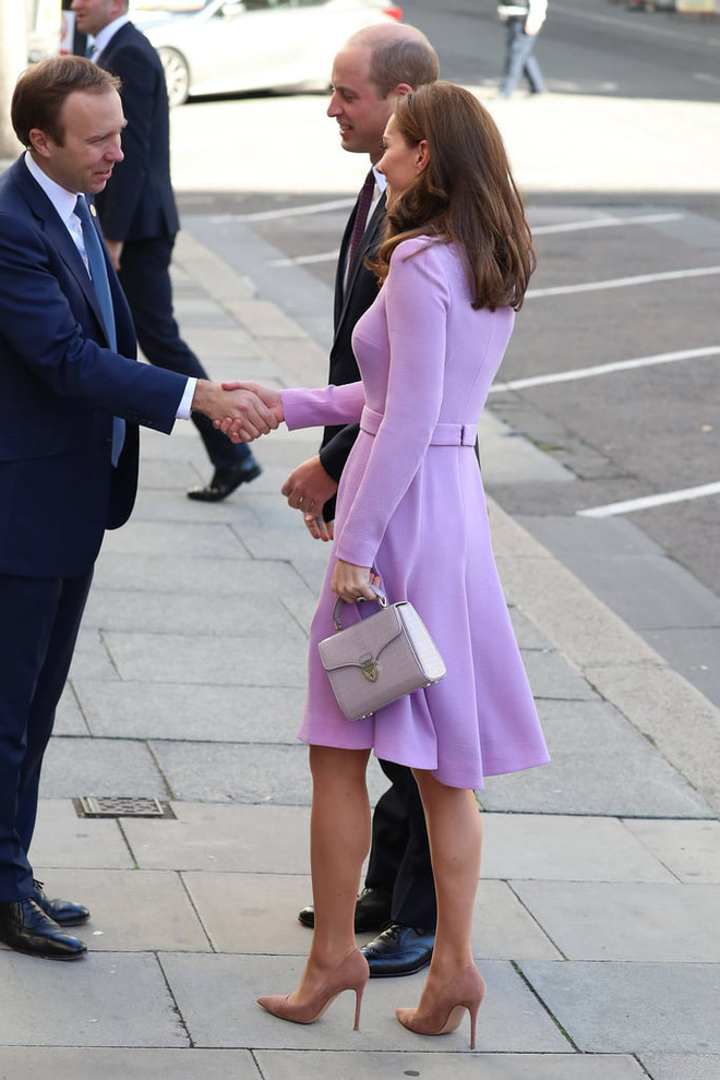 kate-middleton-lavender-emilia-wickstead-dress-15817387463491563848986-15817584130461144430621.jpg