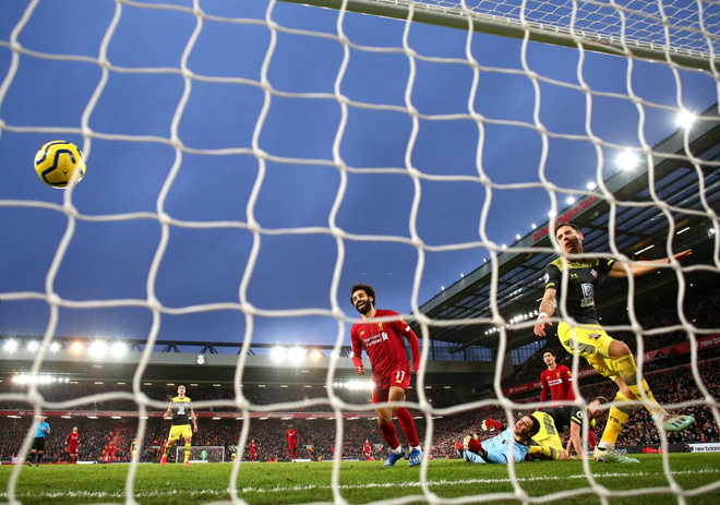 Nhờ pha bóng gây nhiều tranh cãi, Liverpool gia tăng cách biệt với đội nhì bảng lên 22 điểm: BTC nên trao luôn cúp Ngoại hạng cho thầy trò Klopp! - Ảnh 8.
