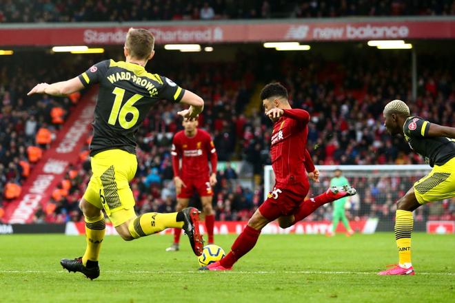Nhờ pha bóng gây nhiều tranh cãi, Liverpool gia tăng cách biệt với đội nhì bảng lên 22 điểm: BTC nên trao luôn cúp Ngoại hạng cho thầy trò Klopp! - Ảnh 6.
