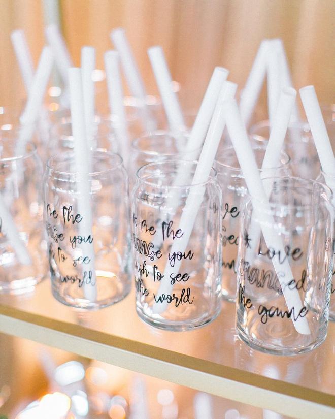 """Đám cưới đãi bia rượu là xưa rồi, giờ phải hâm nóng tình yêu bằng… trà sữa trân châu trong ngày lễ trọng đại mới """"đúng gu""""! - Ảnh 4."""