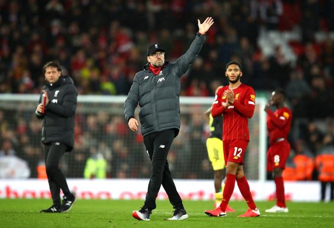 Nhờ pha bóng gây nhiều tranh cãi, Liverpool gia tăng cách biệt với đội nhì bảng lên 22 điểm: BTC nên trao luôn cúp Ngoại hạng cho thầy trò Klopp! - Ảnh 1.