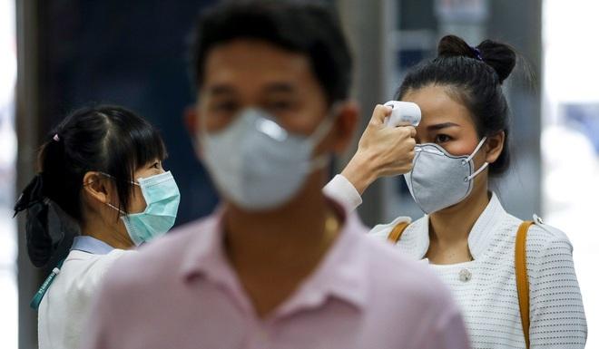 Bệnh nhân siêu lây nhiễm thực sự là gì và mối nguy họ mang lại khi dịch virus corona Covid-19 đang lây lan? - Ảnh 4.