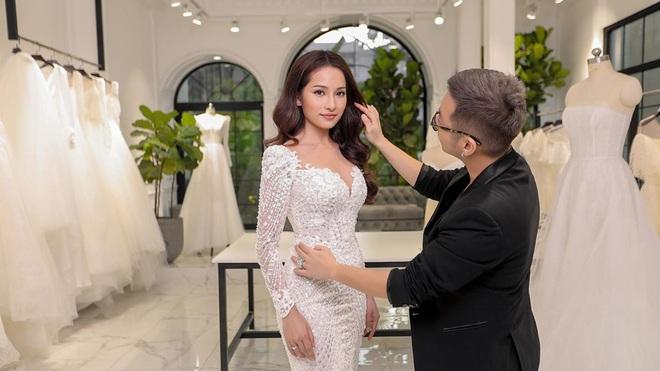 Để trở thành cô dâu sành điệu 2020, bạn phải ghim 5 trend từ các cô dâu Vbiz, đảm bảo không chỉ xinh mà còn sang hơn vài bậc - Ảnh 2.