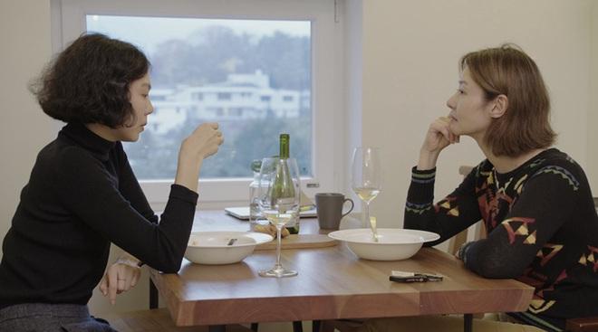 Hoàng thượng trong phim của cặp đôi ngoại tình ồn ào nhất điện ảnh Hàn được khen hết lời ở LHP quốc tế Berlin - ảnh 4