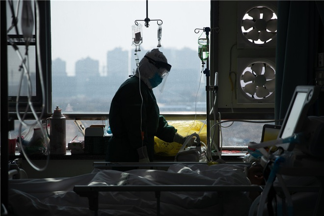 Nhật ký xúc động của nữ y tá Vũ Hán từng cận kề cái chết vì nhiễm virus corona khi phải chăm sóc lượng bệnh nhân quá lớn - Ảnh 2.