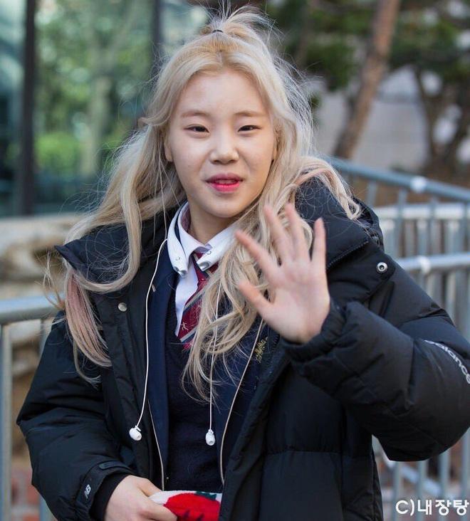 Blogger chuyên đăng ảnh chưa chỉnh của idol Kpop: HyunA và dàn mỹ nhân quá dừ, BTS gây choáng nặng - ảnh 2
