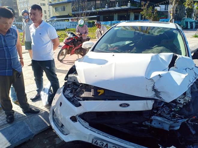 Tai nạn liên hoàn trước khu phố Tây Đà Nẵng, 3 người bị thương - ảnh 4