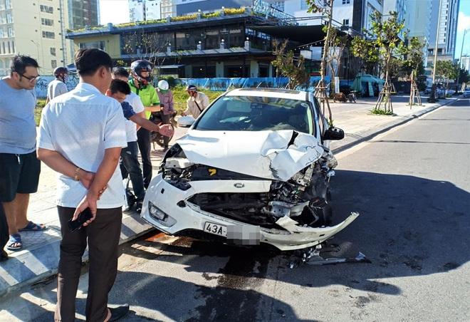 Tai nạn liên hoàn trước khu phố Tây Đà Nẵng, 3 người bị thương - ảnh 1