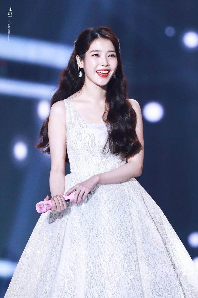 8 nàng búp bê sống của Kpop: Lisa siêu thực, mỹ nhân đẹp nhất thế giới Tzuyu có đọ lại dàn nữ thần đàn chị? - ảnh 15