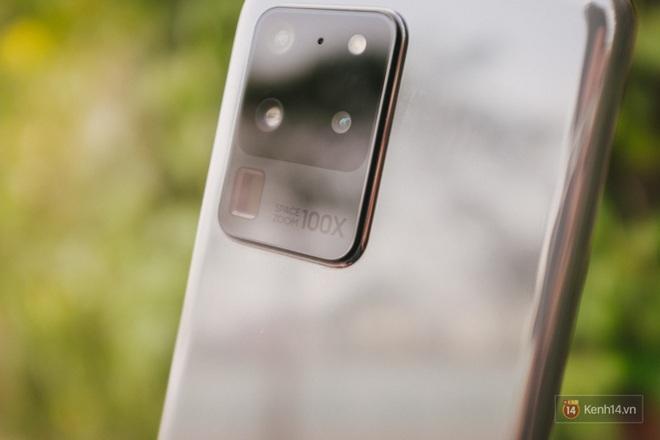 Ngắm những nét đẹp riêng của Samsung Galaxy S20 - ảnh 2