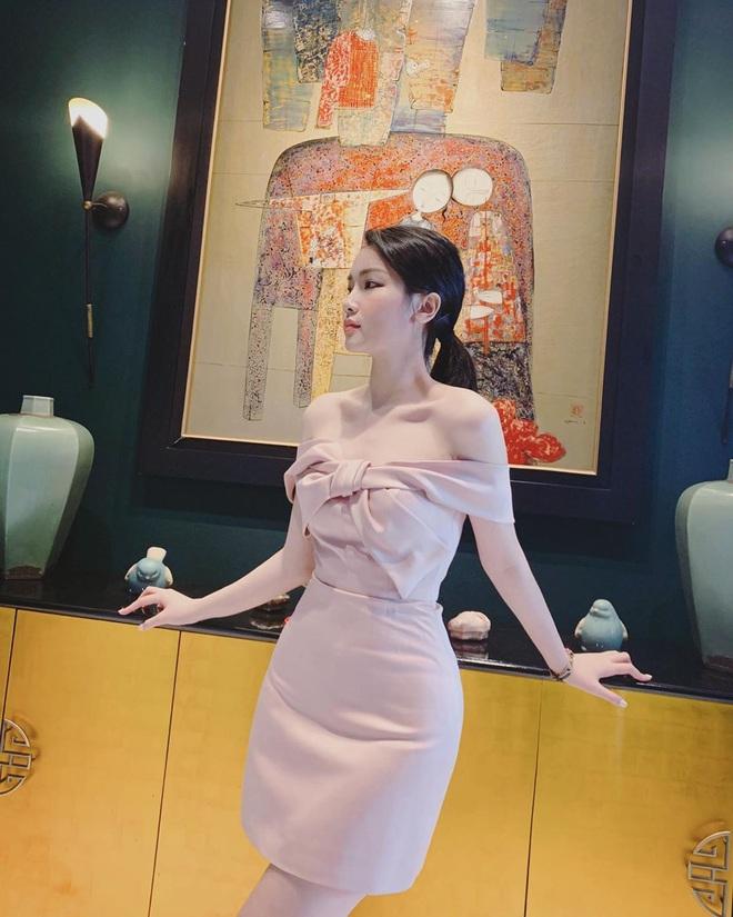 Dàn WAGS Việt là minh chứng điển hình cho kiểu con gái ở nhà xuề xoà sao cũng được, nhưng ra đường hay lên mạng thì buộc phải xinh - ảnh 12