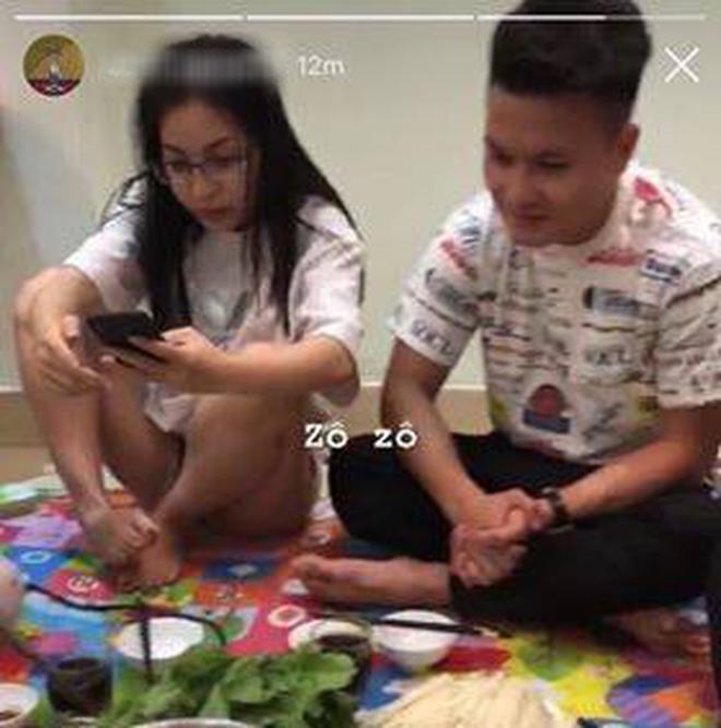Dàn WAGS Việt là minh chứng điển hình cho kiểu con gái ở nhà xuề xoà sao cũng được, nhưng ra đường hay lên mạng thì buộc phải xinh - ảnh 1