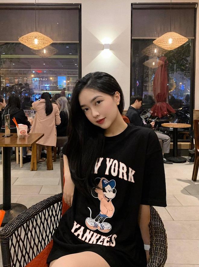 Dàn WAGS Việt là minh chứng điển hình cho kiểu con gái ở nhà xuề xoà sao cũng được, nhưng ra đường hay lên mạng thì buộc phải xinh - ảnh 6