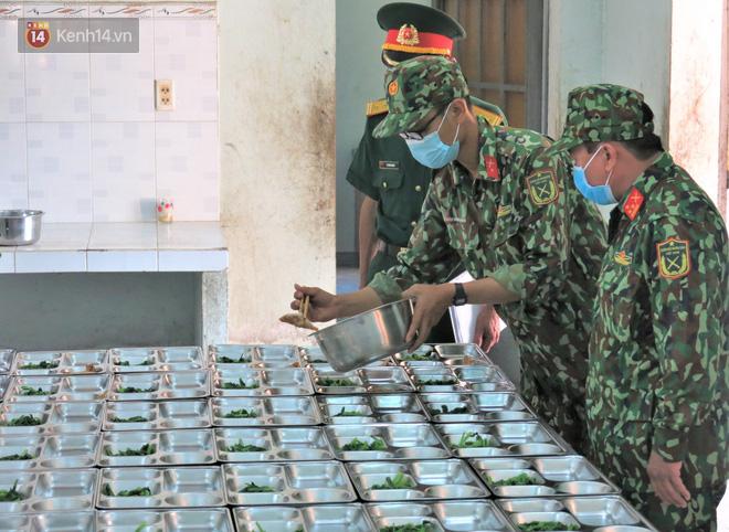 Cận cảnh bên trong khu cách ly người Việt từ tâm dịch virus Corona của Hàn Quốc về Đà Nẵng - ảnh 15