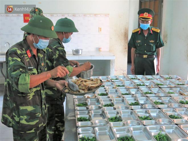 Cận cảnh bên trong khu cách ly người Việt từ tâm dịch virus Corona của Hàn Quốc về Đà Nẵng - ảnh 17