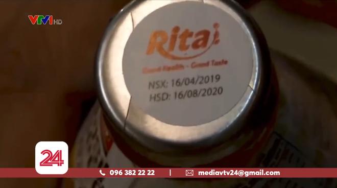 """Hà Nội: Hàng nghìn chai nước ngọt hết hạn sử dụng cả năm được """"hô biến"""" thành sản phẩm mới - Ảnh 2."""