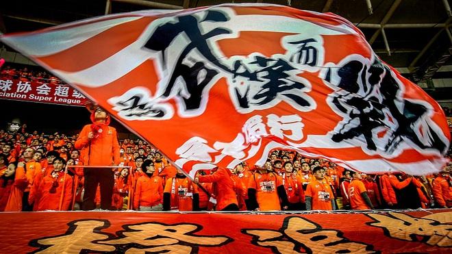 Đội bóng thành phố Vũ Hán được mời đến xem trận Siêu kinh điển giữa Barca và Real - ảnh 1