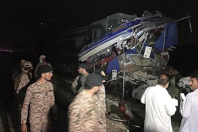 Tai nạn đường sắt nghiêm trọng tại Pakistan, khoảng 20 người thiệt mạng - ảnh 2