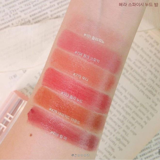 """Beauty blogger Hàn ồ ạt swatch son Jennie lăng xê: Màu đẹp y chang ảnh quảng cáo, chất son mướt mát xem là muốn """"múc"""" ngay - Ảnh 7."""
