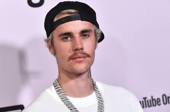 """Justin Bieber bị đàn chị 8 lần được đề cử Grammy chỉ trích """"lợi dụng hệ  thống một cách trắng trợn"""""""