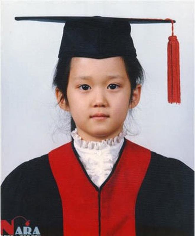 Mã gen của 10 diễn viên Hàn sau cần được bảo tồn khẩn cấp: Nhìn ảnh ấu thơ cưng muốn xỉu, lúc lớn cả Châu Á phát cuồng là đúng rồi! - Ảnh 21.