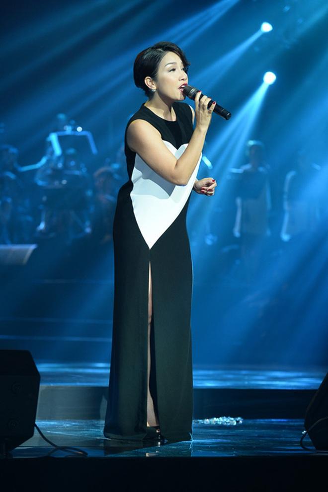 Nữ ca sĩ Việt Nam đầu tiên nhận được lời đề nghị kí hợp đồng từ một công ty giải trí ở Mỹ, được so sánh ngang hàng với danh ca huyền thoại Celine Dion? - Ảnh 2.
