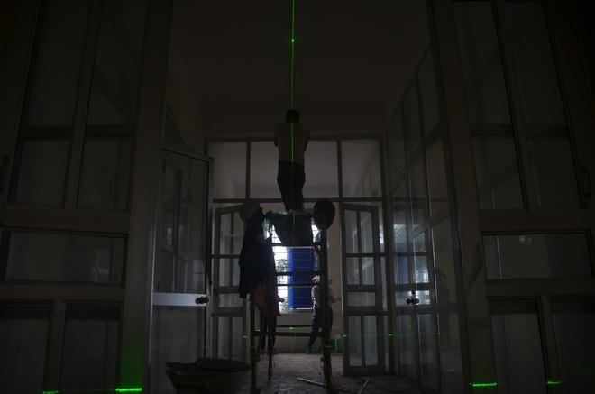 """Chùm ảnh: Cận cảnh quá trình """"biến"""" bệnh viện bỏ hoang ở Hà Nội thành khu cách ly dành cho 200 người - Ảnh 6."""