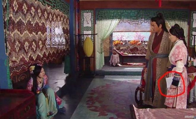 9 hạt sạn nhìn muốn té ngửa của phim TVB: Ghim nhất là màn xe tải xuất hiện ở thời cổ đại, coi tức không? - ảnh 7