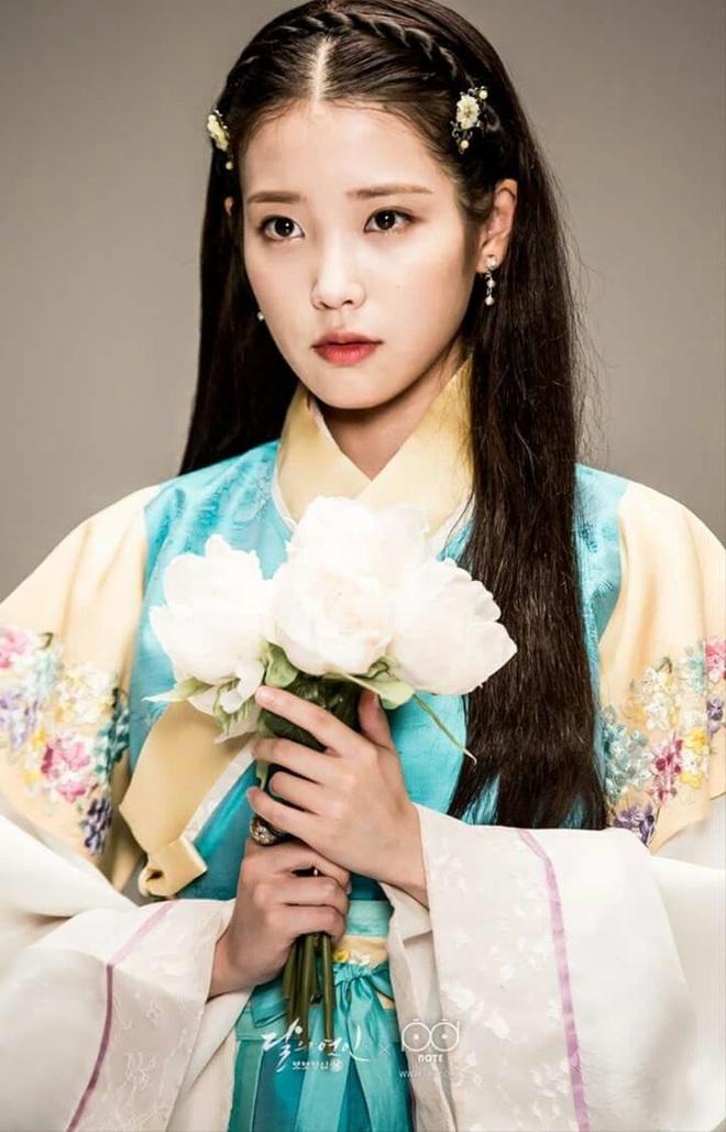 Nữ ca sĩ từng trượt 20 buổi thử giọng, bị JYP từ chối nay trở thành giọng ca solo hàng đầu Kpop, một tay xây dựng cả công ty - Ảnh 4.