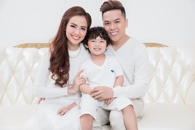 Chỉ qua một chi tiết nhỏ, Hoa hậu Diễm Hương bị nghi có tình mới sau hàng loạt đồn đoán ly hôn lần 2 - Ảnh 3.