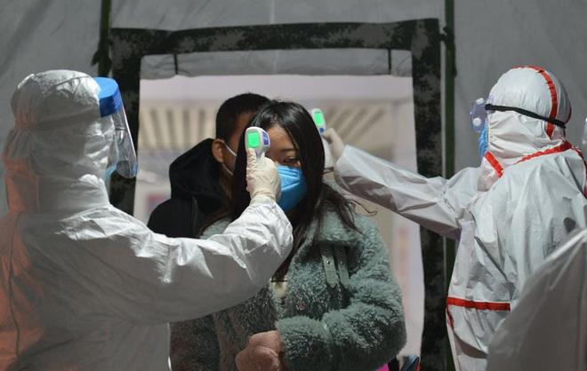 Bác sĩ BV Việt Đức giải đáp câu hỏi: Cần làm gì khi nghi nhiễm và cách ly? - Ảnh 3.
